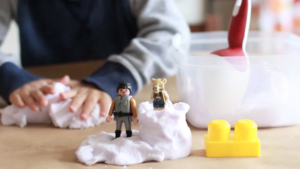PBS KIDS for Parents Craft: DIY Kinetic Sand